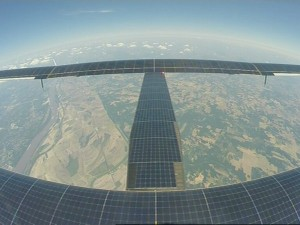 SI2 flying above the USA